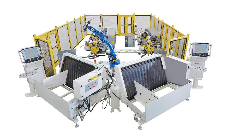 2台弯管机搭配机械手及料架,自动化联机系统,提供工厂完全自动化生产解决方案